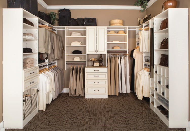 Why It's Worth It To Upgrade To A Custom Closet? 